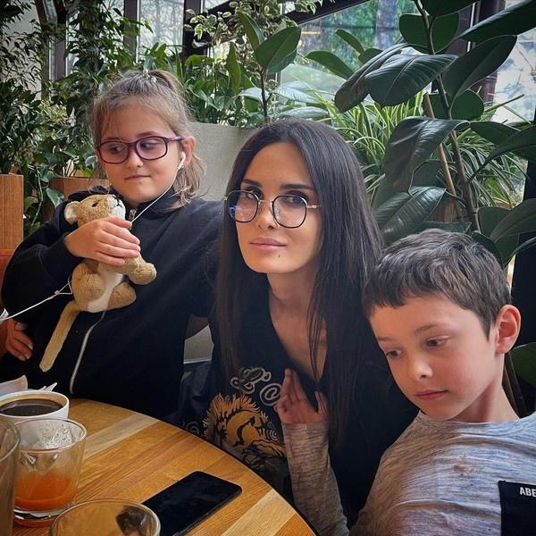 Павел Мамаев хочет забрать ребенка у бывшей жены, чтобы получать за него алименты