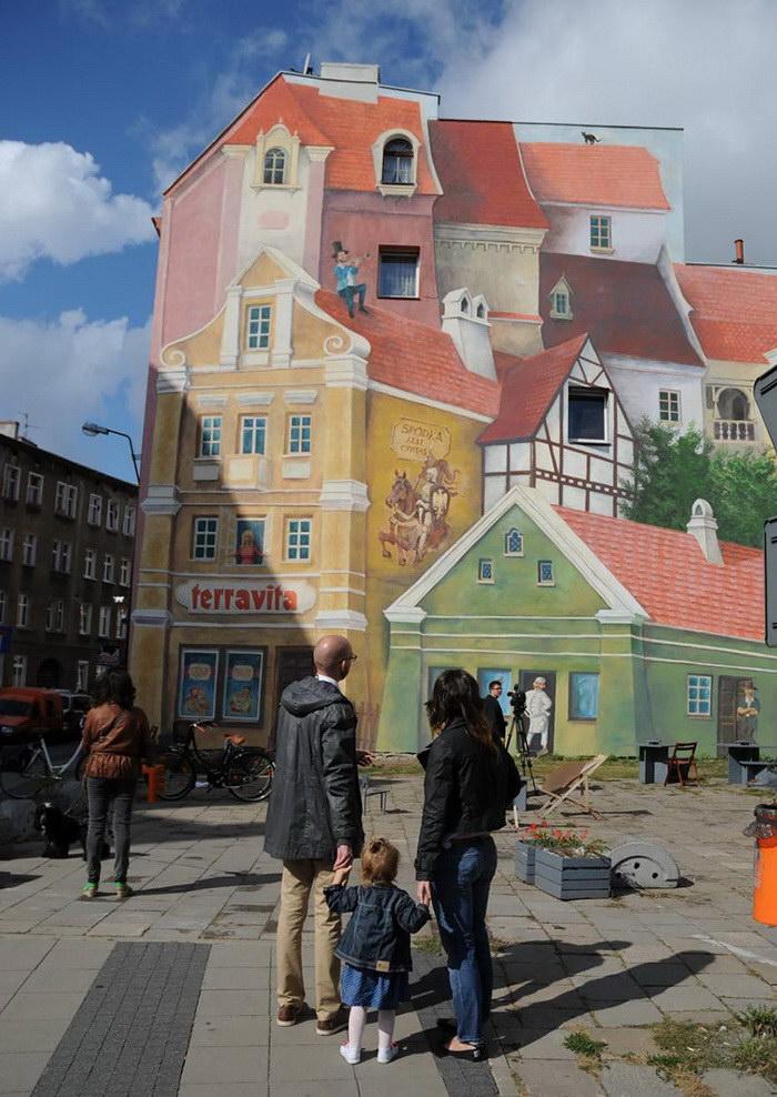 Необычное граффити, показывающее историю старого городка