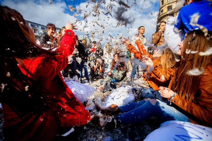 Международный день борьбы подушками