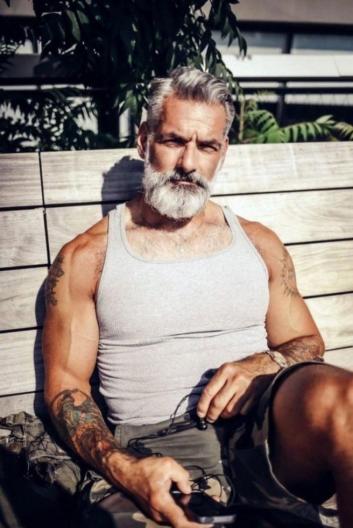 Правильные мужчины — как хорошее вино, с возрастом становятся все более прекрасными