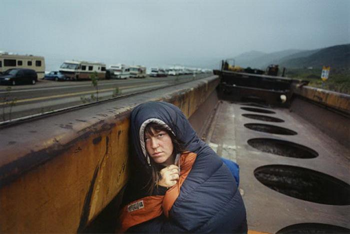 Молодой фотограф присоединился к бродягам, чтобы сделать ряд выразительных снимков