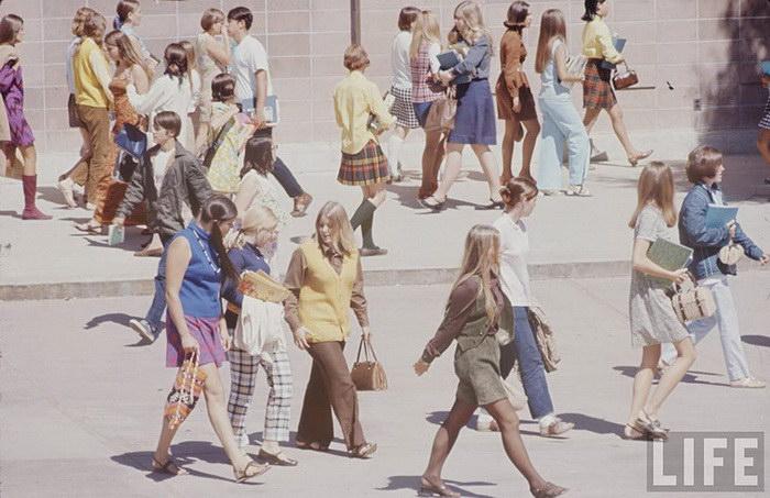 Так выглядели выпускники школ во времена Битлз и Вудстока