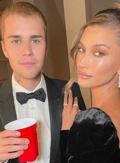 Джастин Бибер и его жена Хейли Бибер устроили вечеринку в Западном Голливуде.
