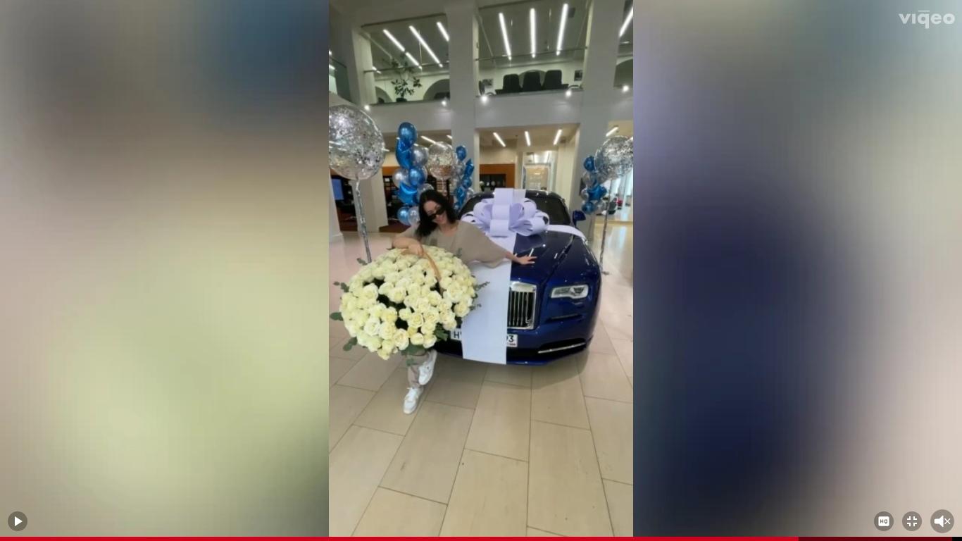 Ида Галич купила себе авто за 35 000 000 рублей