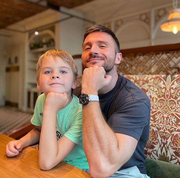Сергей Лазарев показал 7-летнего сына