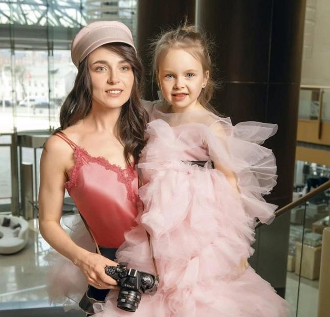 Анна Снаткина рассказала о 8-летней дочери